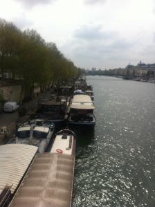 Paris la seine péniche